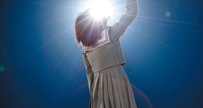欅坂46 平手友梨奈はなぜセンターを代えられない?笑わないのは嘘!